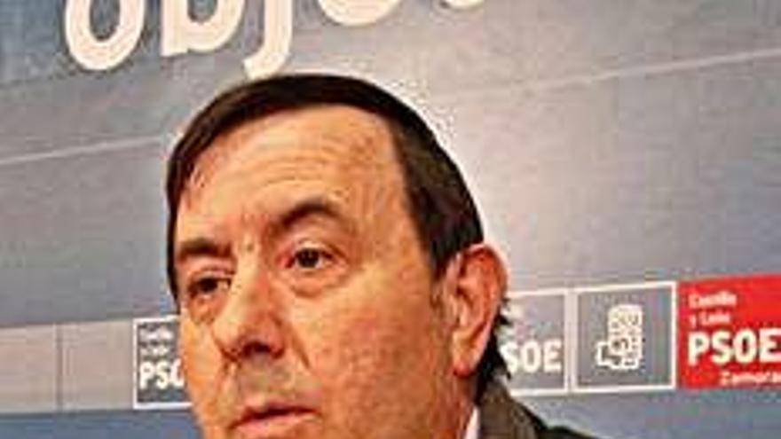 José Martín, alcalde.