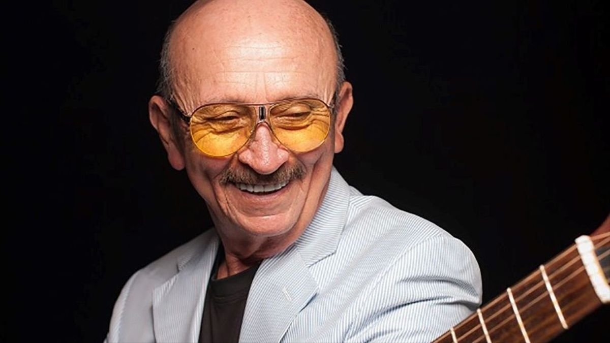 Muere el célebre cantautor mexicano Sergio Esquivel.