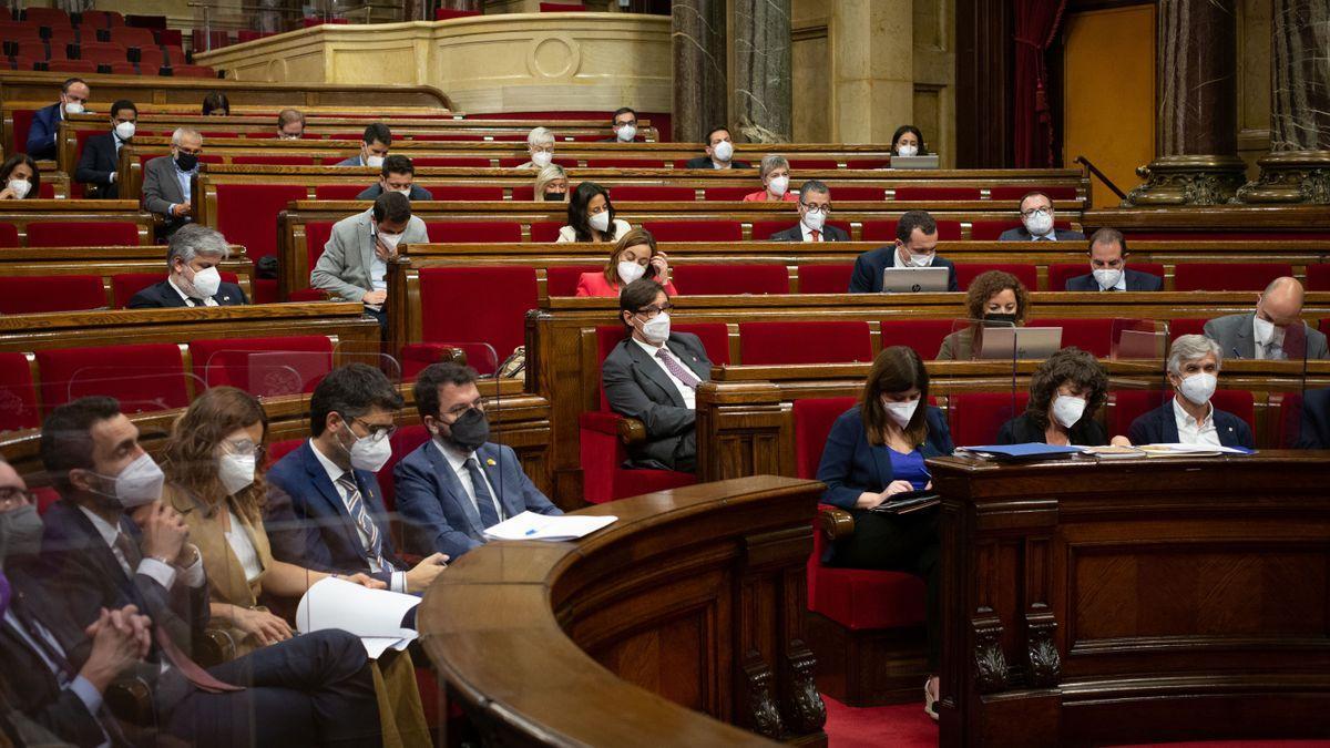 Los diputados del Parlament, en el hemiciclo.