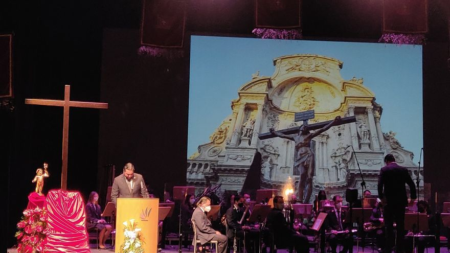 Valentía y emoción en el pregón de la Semana Santa de Álvaro Carmona