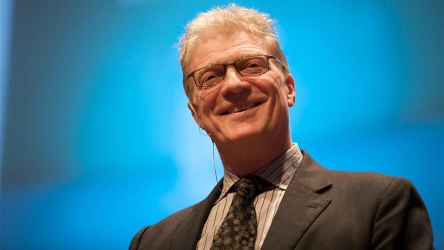Muere Ken Robinson, el hombre que quería resucitar las escuelas