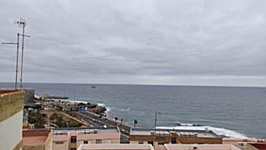450 € Alquiler de piso en San Juan (Las Palmas G. Canaria) 62 m2, 3 habitaciones, 1 baño, 7 €/m2...