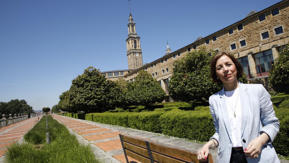 Ángeles Fernández-Ahuja.