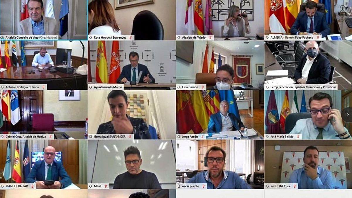 Reunión telemática de la junta directiva de la FEMP, ayer.