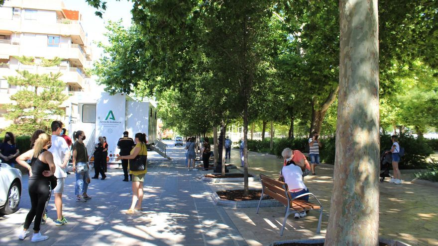 Hasta 1.000 personas son citadas para un cribado masivo en Antequera