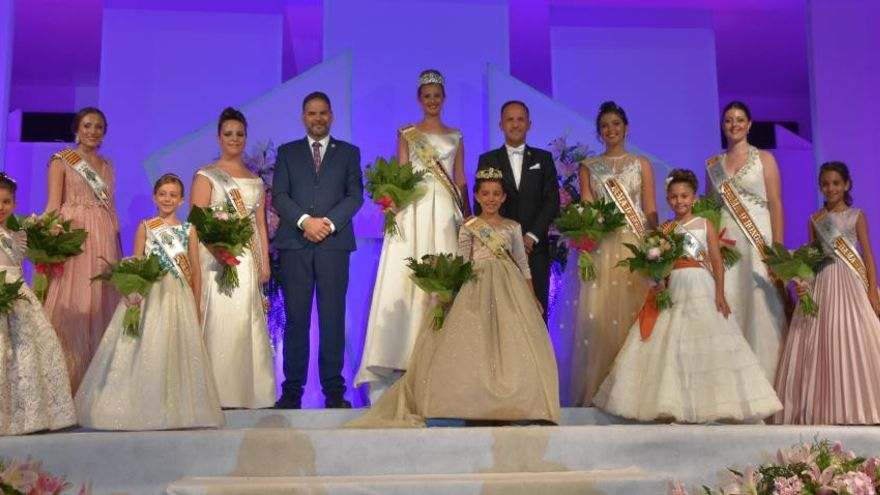 Pinoso presenta a sus Reinas Andrea Deltell e Indhira Sánchez