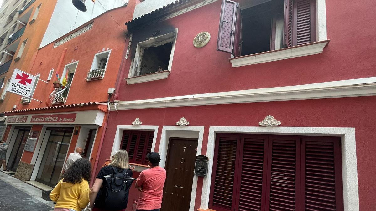 Així es veia aquest matí les afectacions de l'incendi d'habitatge de Lloret