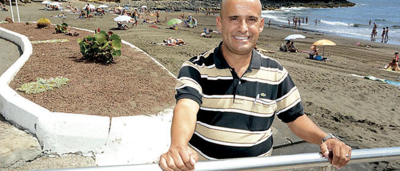 Juan Miguel Melián Alzola, ayer, en la playa de La Garita durante la entrevista.