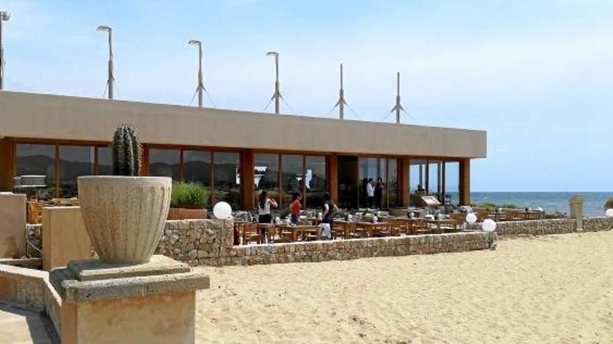 Neuer Beachclub Assaona eröffnet am Stadtstrand von Palma