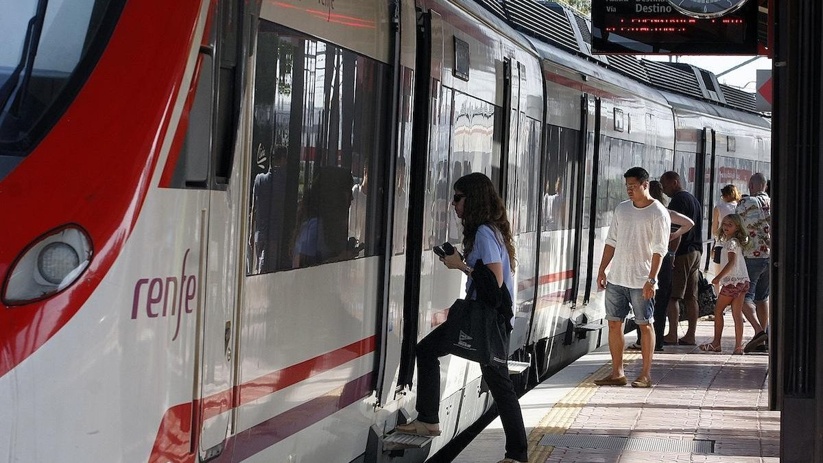 Una parada de la línea C-1 del Cercanías de Málaga.