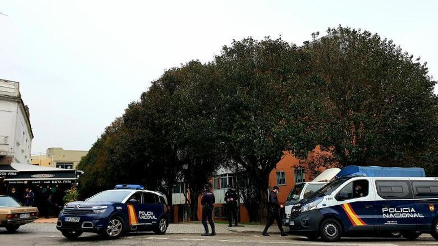 Un operativo policial contra el tráfico de drogas en Teis se salda con dos detenidos