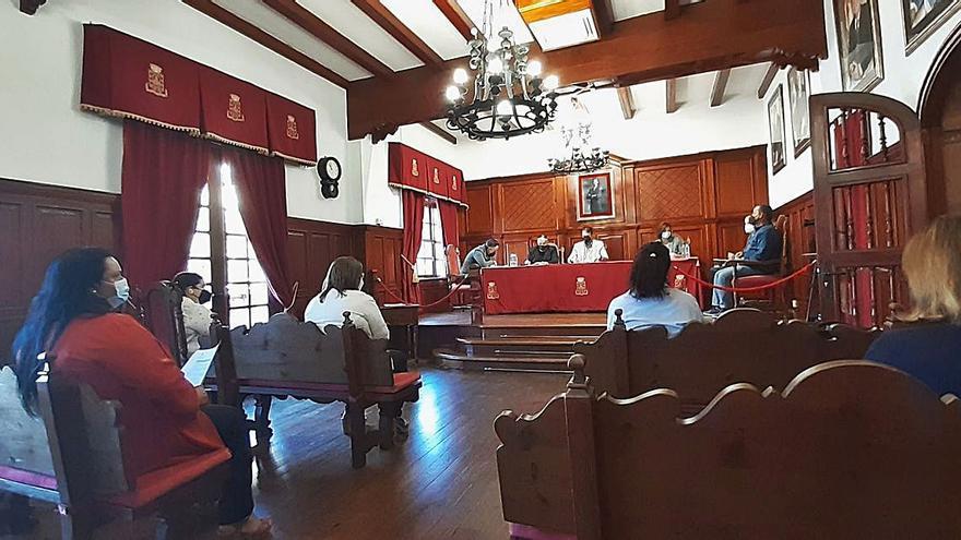 El Pleno aprueba de manera unánime una reducción de los impuestos municipales