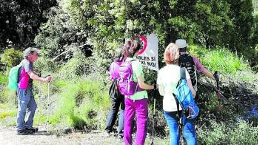 La 25a Caminada Popular de Tous reivindica el territori davant l'amenaça del macroparc solar