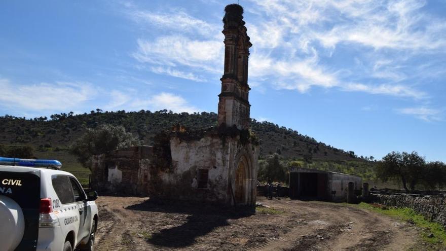 El consistorio de Jerez de los Caballeros se suma a la denuncia por la destrucción de la ermita de Brovales