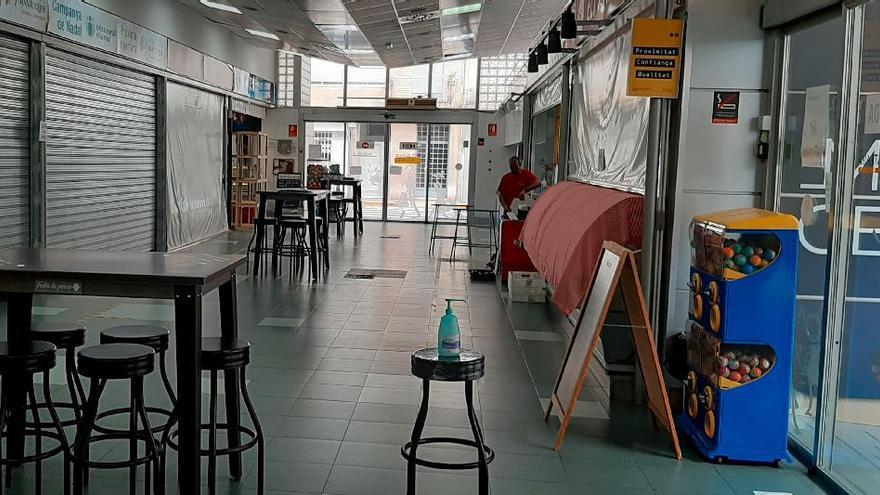 Vila-real instala un control de aforo y de afluencia de clientes en el Mercat Central