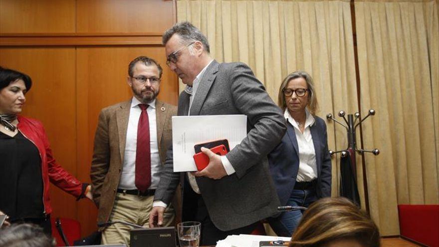 PSOE y Podemos exigen como IU que se aclaren los contratos menores vinculados con David Dorado