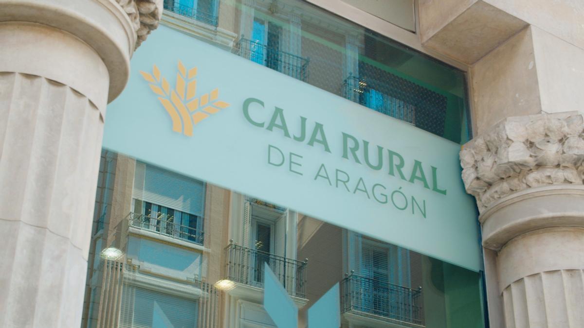 Caja Rural de Aragón reduce su beneficio pero refuerza la solvencia.