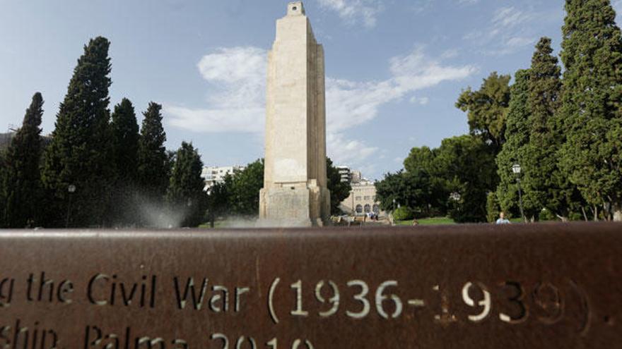 Palmas umstrittener Obelisk soll trotzdem fallen