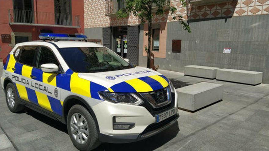 Detingut a la Jonquera per robar més de 1.000 euros a un camioner mentre dormia