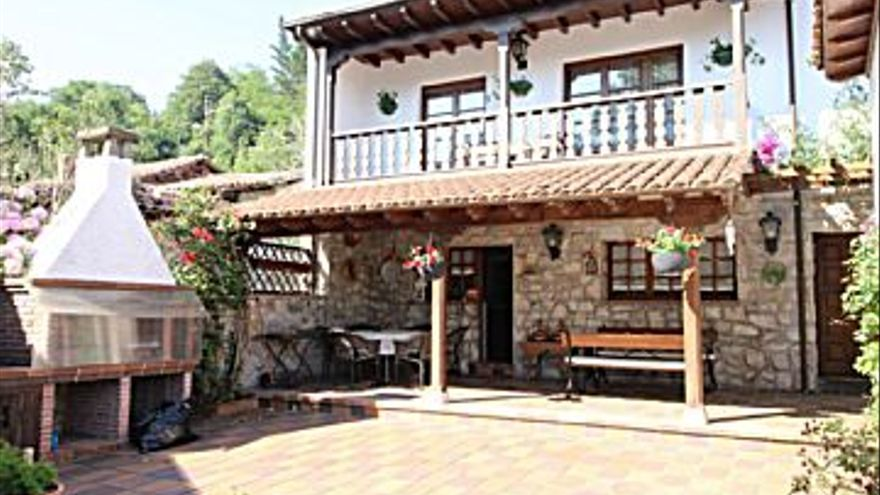 880.000 € Venta de casa en Triongo (Cangas de Onís) 280 m2, 4 habitaciones, 4 baños, 3.143 €/m2...