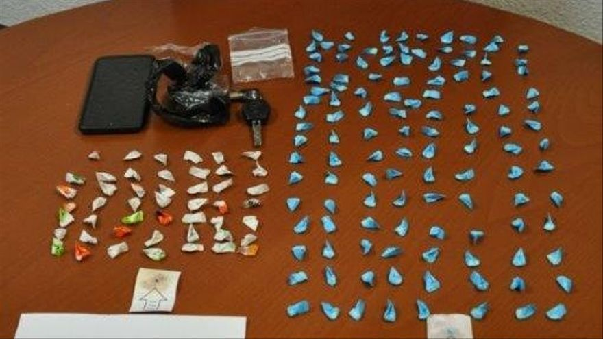 Detenido un joven vecino de Ribeira con 168 papelinas de cocaína y heroína