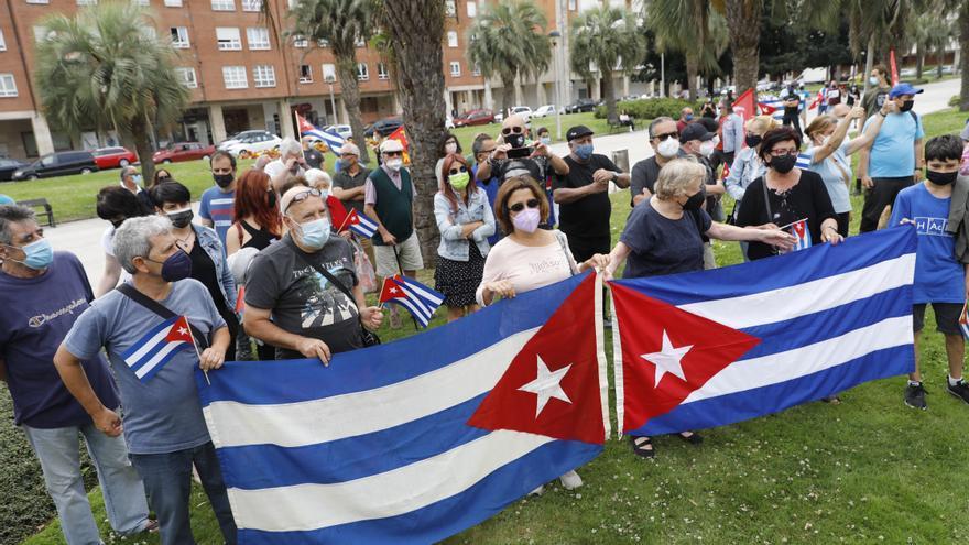 Gijón se manifiesta a favor de la Revolución Cubana