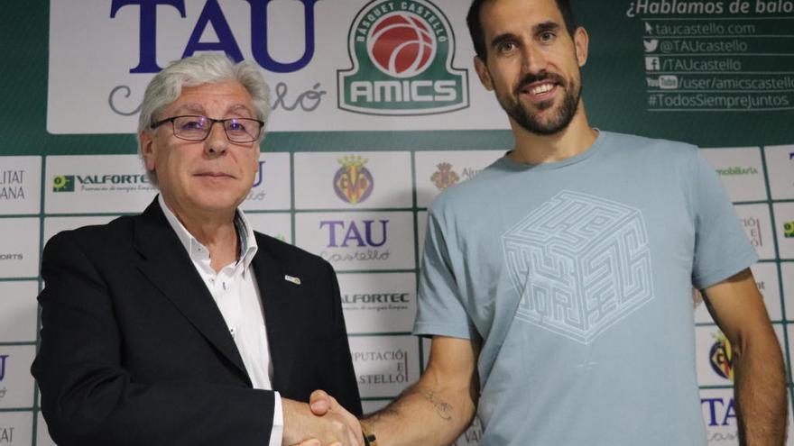 Romà Bas, tercera pieza clave para el TAU Castelló