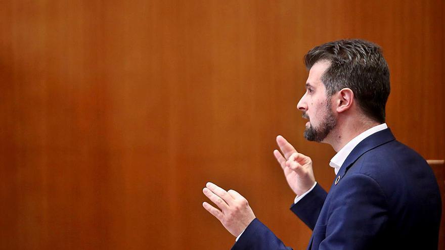 Tudanca se presenta hoy a la moción de censura de Castilla y León sin los apoyos necesarios