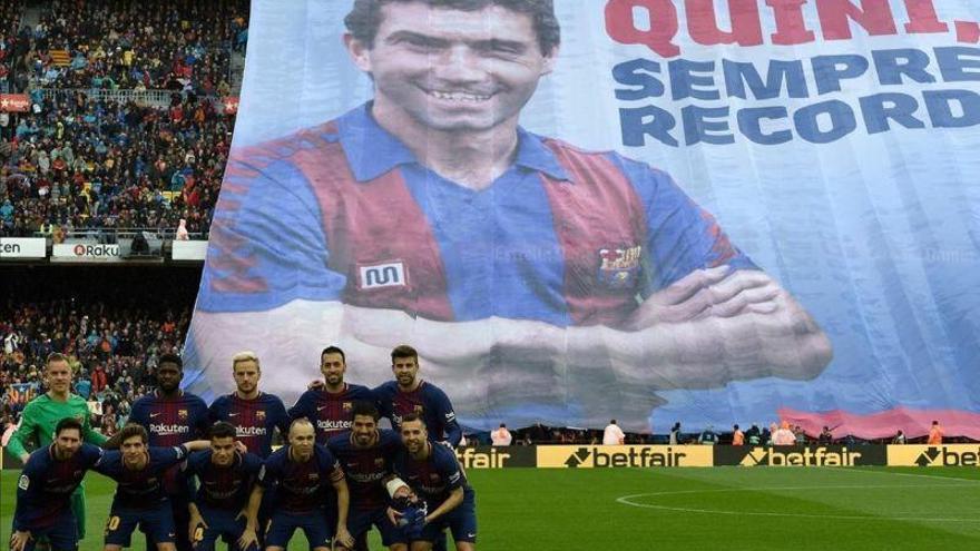 El Camp Nou homenajea a Quini