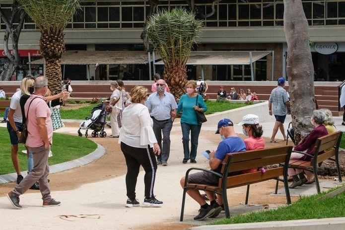 La renovada Plaza de España se llena de visitantes