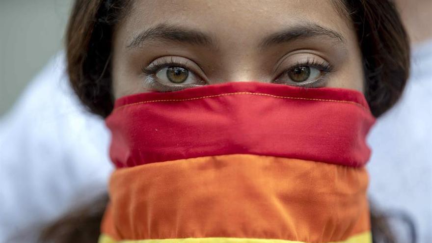 Ser lesbiana en España: Invisibilización, acoso y doble discriminación: