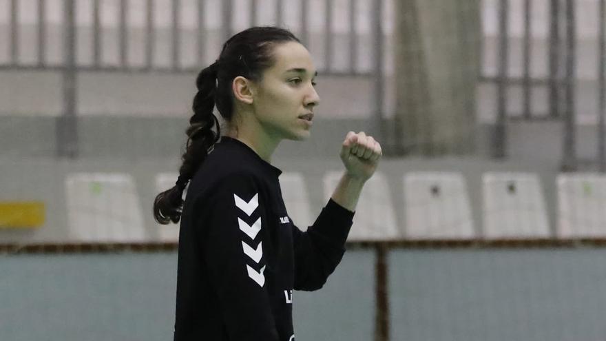 Meriem Ezbida jugará junto a Alba Sánchez en el Zuazo de balonmano