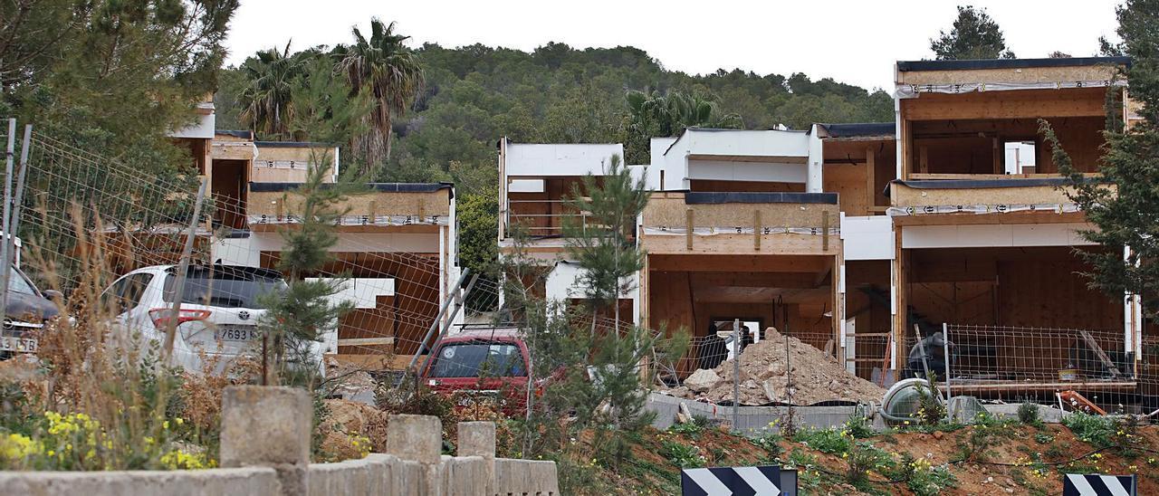 Las dos casas se construyen en dos parcelas de suelo urbano de Can Germà. |