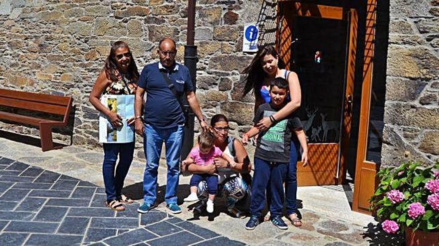 Oficina de Turismo de Villardeciervos.