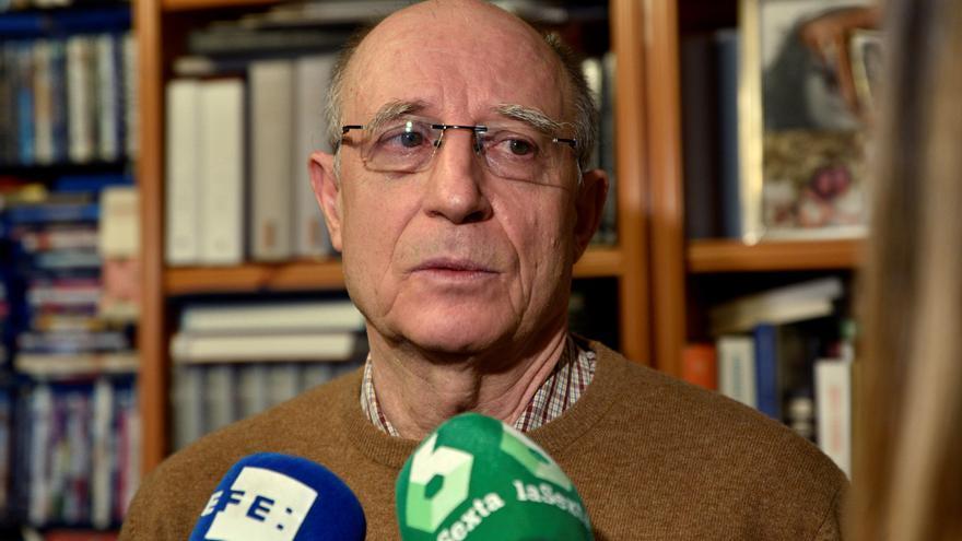 Ángel Hernández, absuelto tras retirar el fiscal la acusación por delito de cooperación al suicidio