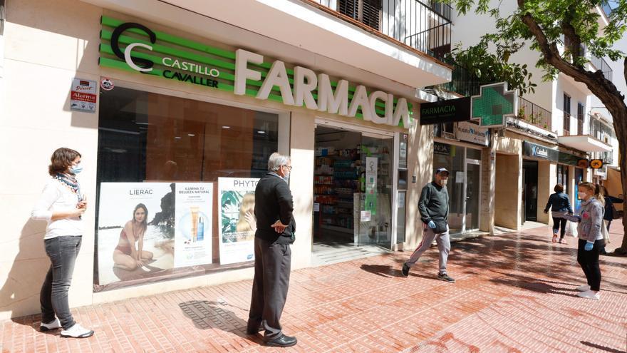 Los ciudadanos pueden pedir cita para vacunarse contra el covid en las farmacias de Ibiza  y Formentera