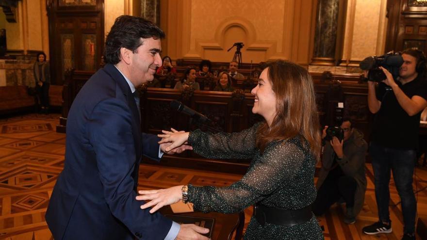 Rey anuncia que citará a las administraciones para abordar el futuro del Puerto de A Coruña