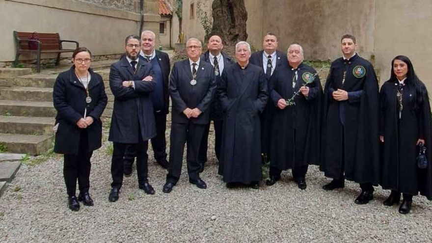 Una rama del olivo de la Catedral para el paso del Prendimiento