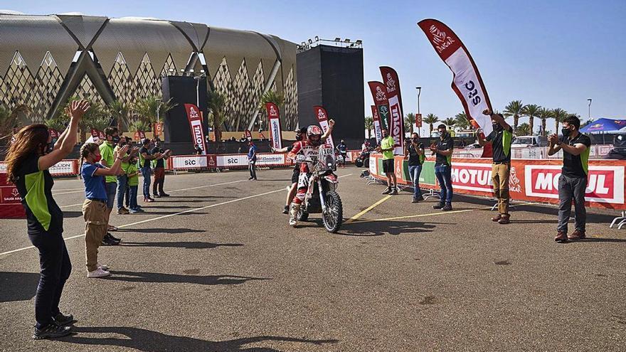 Rieju de Figueres celebra que tot el seu equip hagi acabat el primer Dakar de la marca