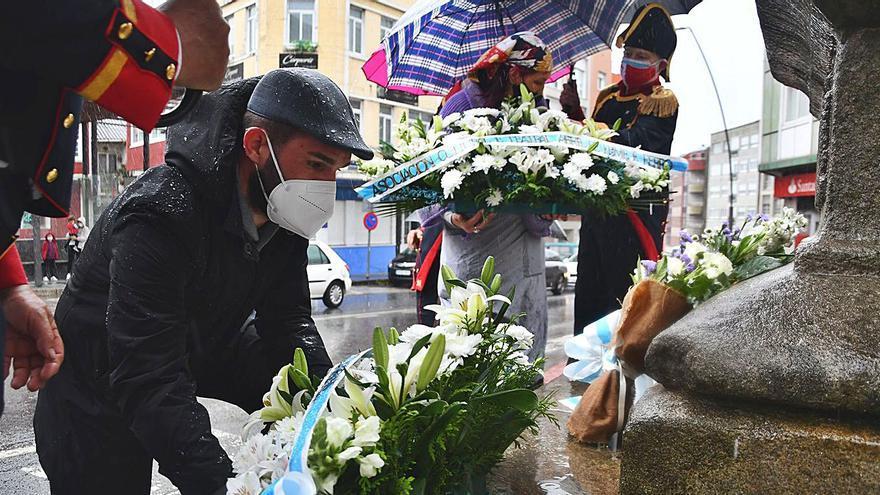 Poesía e flores en Carral para honrar aos Mártires
