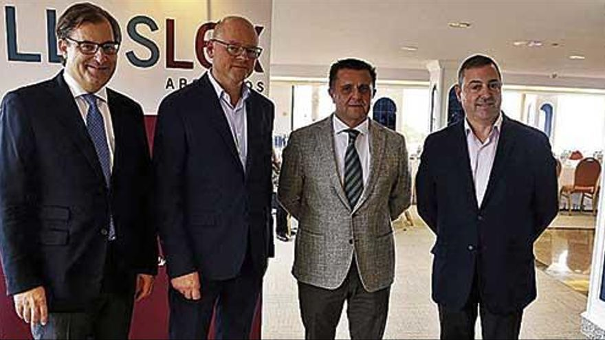 """Aurelio Vázquez: """"Seguiremos asistiendo a más fusiones"""""""