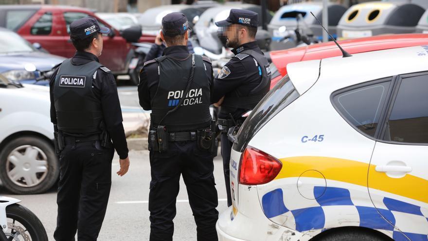 Una conductora borracha se estrella cuando iba a buscar a su hija al colegio en Sant Antoni