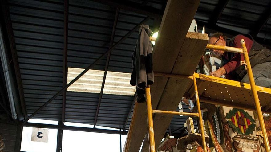 Roban material y herramientas en los almacenes de las gaiatas en Castelló
