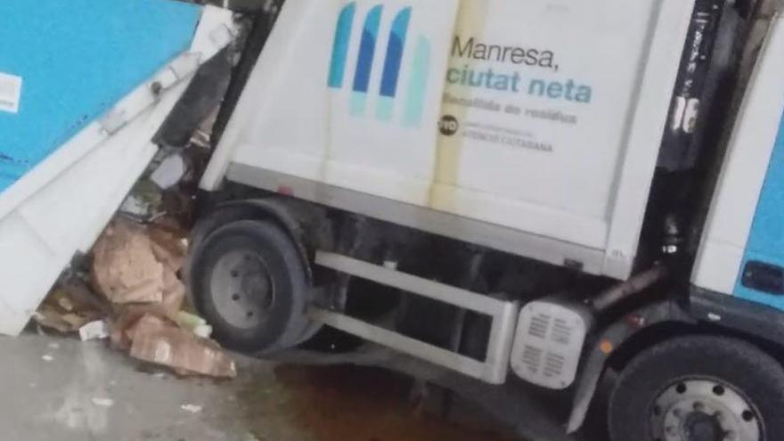 Fem Manresa critica la manca de manteniment de la maquinària de recollida d'escombraries