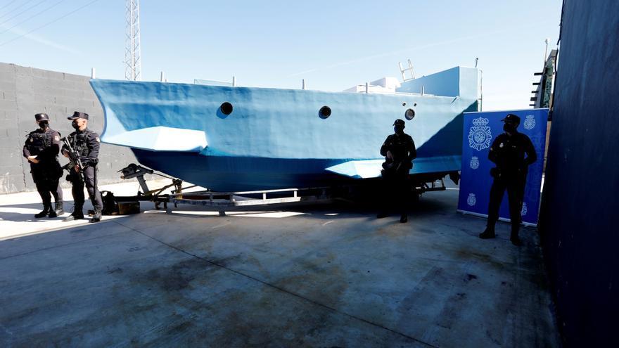 Incautado un narcosubmarino en Málaga en operación con 52 detenidos