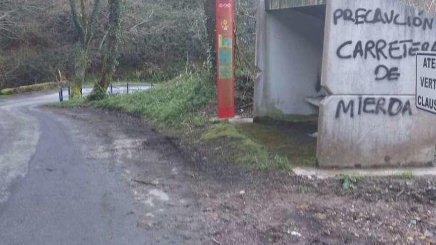 Quejas en Morcín por el deterioro de las carreteras locales
