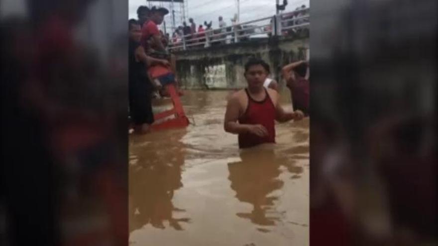 La tifón Tembin deja al menos 240 muertos en Filipinas