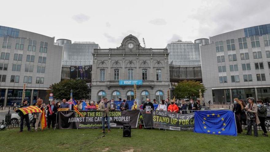 Bruselas guarda silencio ante la detención de Puigdemont