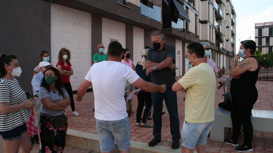 Los vecinos de San Fernando de Lorca reclaman prioridad en el proceso de adjudicación de viviendas municipales