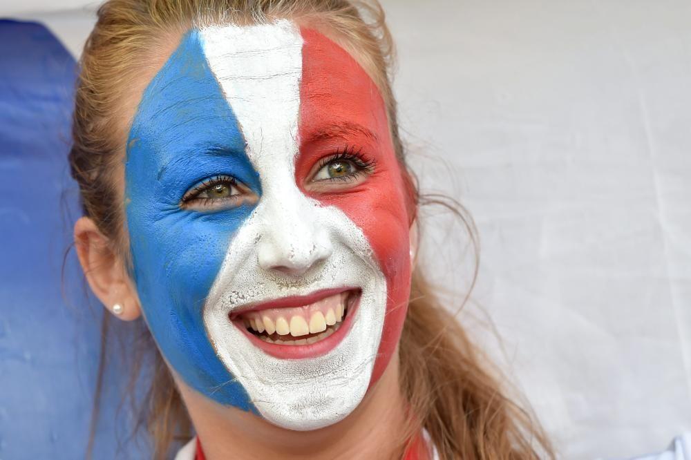 Las aficiones calientan el Alemania-Francia